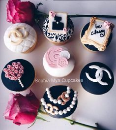 Chanel+Inspired+Cupcakes+-+Cake+by+Sophia+Mya+Cupcakes+(Nanvah+Nina+Michael)
