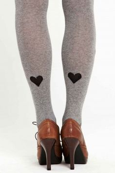 Heart felted or painted heart tights or stockings. Look Fashion, Winter Fashion, Womens Fashion, Mode Bizarre, Cute Tights, Fall Tights, Heart Tights, Casual Chique, Def Not