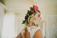 floral crown / wedding flower crown / bright pink floral crown / Nashville Tennessee wedding venue / outdoors / farm / front porch farms / beautiful views / Ariel Renae Photography / Destination Wedding Photographer / Nashville Wedding Photographer / www.arielrenaephoto.com