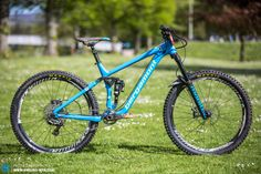 The new Bergamont En-Core is a low and long, 160/165mm travel agressive trail beast