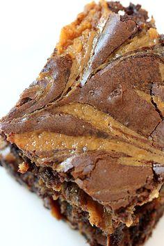 Totally decadent! Dulce de Leche Brownies #Pizzazzerie