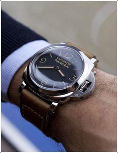 Не забывайте носить часы, когда вы идете в офис.