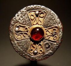 Brooch       Merovingian       late 6th - early 7th century AD       France
