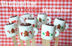 Ready to start your Christmas baking? These easy Christmas treats and sweets recipes are perfectly delicious, whether you have them for a snack or a dessert during the holidays. Try these truffles, cupcakes, and more. Christmas Treats To Make, Christmas Goodies, Christmas Desserts, Holiday Treats, Christmas Candy, Christmas Pops, Kid Desserts, Homemade Christmas, Christmas Ideas