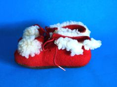 Red & White Baby Booties - Vintage Retro Felt and Wool Newborn Shoes Lace Up - 1970s Goodness! by FunkyKoala on Etsy
