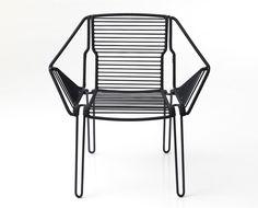Cadeira Soba, em PVC e metal, design Dunja Weber para PCM