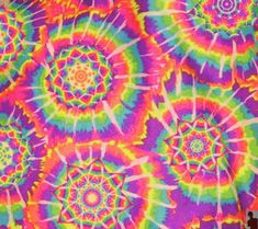 Animated gif about grunge in Psychadelic by Print Wallpaper, Pattern Wallpaper, Fractal Art, Fractals, Hippie Bedroom Decor, Hippy Art, Trippy Gif, Aesthetic Space, Tie Dye