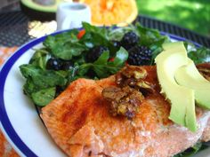 Citrus Salmon Berry Salad with Sweet Curried Pecans | PaleOMG - Paleo Recipe