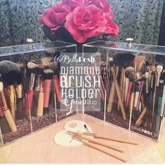 Our customer @ghada.xo keeps her makeup brushes free of dust and bacteria in our Diamond Brush holder loving this picture Search on website : Diamond Brush holder Shop www.bellaposhorganizers.com