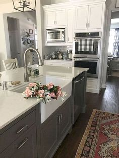 Here are kitchen sink ideas you can incorporate into modern countertops and improve the entire room design. #kitchensinkideas #kitchen #sink #counter