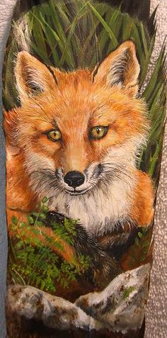 OP - This red fox was one of the first feathers I painted. Photo reference used with permission from photographer, Moose Mountain Wildlife rehab. Fox Painting, Feather Painting, Feather Art, Stone Painting, Painted Slate, Painted Rocks, Pet Rocks, Fox Art, Leaf Art