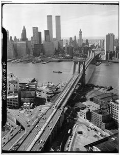 Aerial View of Manhattan, World Trade Center from Brooklyn Bridge New York Photo Manhattan Bridge, Manhattan Skyline, Lower Manhattan, Brooklyn Bridge, New York Skyline, Brooklyn Film, Brooklyn Wyatt, Brooklyn Beckham, Paisajes