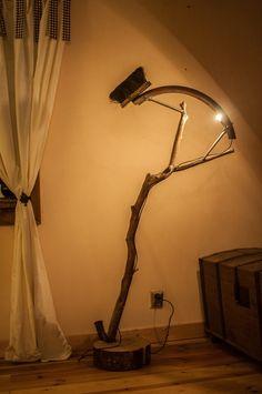 Rzymianin :-) w Art Wood Kawkowo na DaWanda.com Desk Lamp, Table Lamp, Lighting, Etsy, Home Decor, Table Lamps, Decoration Home, Room Decor, Lights