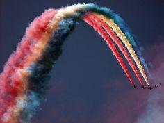 over the rainbow, so high Robert Doisneau, Rainbow Connection, Digital Photography School, Airplane Photography, Retro Photography, Stunning Photography, Color Photography, Red Arrow, Photography Challenge