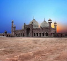 The 'Royal Mosque' (Badshahi Mosque) in Lahore, the second largest mosque in Pakistan and South Asia and the fifth largest mosque in the world. [http://en.wikipedia.org/wiki/Badshahi_Mosque]