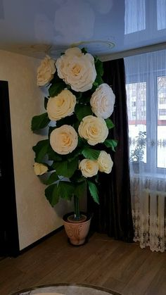 Giant Paper Flowers, Big Flowers, Flower Crafts, Flower Art, Paper Art, Paper Crafts, Fun Arts And Crafts, Paper Flowers Wedding, Paper Flower Backdrop