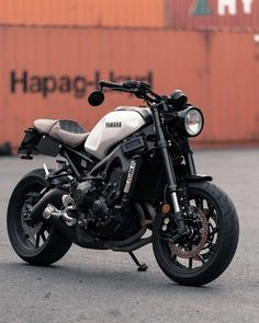 Motos Yamaha, Yamaha Cafe Racer, Yamaha Motorcycles, Cafe Racer Motorcycle, Motorcycle Design, Motorcycle Style, Bike Design, Japanese Motorcycle, Ducati
