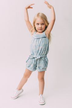 Kids Fashion Photography, Children Photography, Toddler Fashion, Toddler Outfits, Studio Poses, Kids Labels, High Fashion Models, Toddler Photos, Baby Models