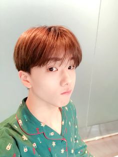 Image shared by 황은별. Find images and videos about kpop, nct and mark on We Heart It - the app to get lost in what you love. Park Jisung Nct, Nct Group, Park Ji Sung, Fandom, Entertainment, Kpop, Taeyong, Jaehyun, Nct Dream