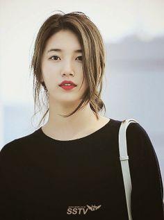 MissA Suji 미스에이 수지 공항출국 Korean Beauty, Asian Beauty, Miss A Suzy, All Black Fashion, Bae Suzy, Korean Actresses, Celebs, Celebrities, Beautiful Asian Girls