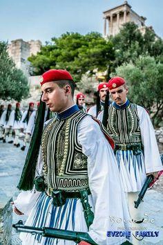 ΕΥΖΩΝΕΣ Zorba The Greek, Folk Clothing, The Son Of Man, Acropolis, Greek Life, Eastern Europe, Beautiful Islands, Military History, Dance Dresses