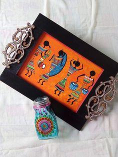wooden serving tray Worli Painting, Bottle Painting, Bottle Art, Fabric Painting, Indian Arts And Crafts, Madhubani Art, Indian Folk Art, Truck Art, Madhubani Painting