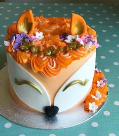 Foxy and her cute little tail 🦊 don't forget I'm away in Mayo atm but back on Tuesday so I'll be doing all my email catch up then! Gorgeous Cakes, Pretty Cakes, Amazing Cakes, Cupcakes, Cupcake Cakes, Bolo Chanel, Fox Cake, Animal Cakes, Cake Creations