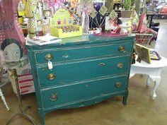 Sassy Plumage Dresser
