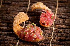 Tuna tartar with a won ton crisp
