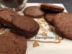 Il benessere dell'integrale incontra la golosità del cioccolato il tutto senza burro, farina raffinata e zucchero bianco. http://www.cuocogoloso.it/biscotti-integrali-al-cioccolato…/ #biscottiintegrali #cioccolato #integralialcioccolato #senzaburro #integrale #senzazuccherobianco #cuocogoloso #biscottofattoincasa #biscottodelbenessere #goloso #cioccolatoso
