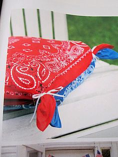 "At The Picket Fence: 4th of July Decor-""Bang"" for your Buck!"