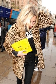 Kate Moss, leopard coat, neon clutch, blonde