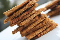 Roasted Red Pepper Paleo Crackers. Oh wow.