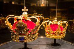 Kopenhagen - Rosenborg Castle -Two crowns (photo  by Quistnix!, via Flickr)