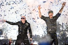 Enrique Iglesias and Pitbull in concert 2015