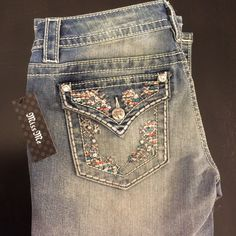Miss Me Jeans ! Miss Me Jeans size 28 boot cut 34 inch inseam. New with tags very very cute ! Next day shipping smoke free environment no trades price is firm. Miss Me Jeans Boot Cut
