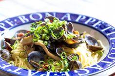 #今日の朝ごはん  しじみの台湾風にんにく醤油漬けのカペッリーニ。 しじみの旨味が染み出した、醤油を吸った細麺(゚д゚)ウマー - Shugo Kuwabara (しゅう) - Google+