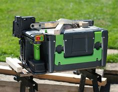This portable power tool kit includes several rechargeable tools, and provides a metal working platform that converts to a table saw, scroll saw Circular Saw Reviews, Best Circular Saw, Circular Saw Blades, Table Saw Fence, A Table, Cordless Power Drill, Cordless Tools, Power Tool Kits, 2x4 Wood