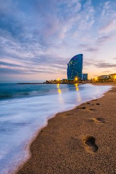 Beach Aesthetic, Travel Aesthetic, Best Places To Live, Best Places To Travel, Barcelona Beach, Antoni Gaudi, Life Is A Journey, Scenery, Spain