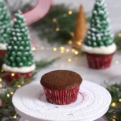 These Santa hat cupcakes are easy to make, make with your favorite cake recipe and with Homemade Icing. They make a great Christmas Party Treat. These Santa Hat Chritmas cupcakes are Christmas desserts that kids will love Christmas Cupcake Flavors, Christmas Cupcake Toppers, Christmas Cupcakes Decoration, Christmas Tree Cupcakes, Christmas Sweets, Holiday Cakes, Holiday Desserts, Holiday Baking, Christmas Baking