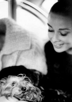 The story of Audrey Hepburn and her love of animals into a beautiful and extensive photo gallery.