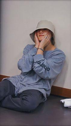 💜JK💜 - Source by ugsdhfioihci - Bts Taehyung, Jungkook Selca, Jungkook Fanart, Foto Jungkook, Jikook, Foto Bts, Jung Kook, Admirateur Secret, Fangirl