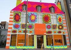 12,000 Granny Squares Will Cover Museum Facade