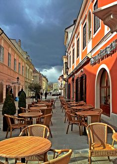 Streetside cafe in Gyor, Hungary (by Charlotte90T). I have family here!
