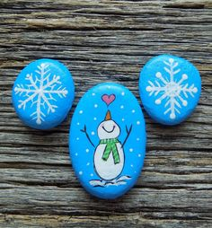 Mini Hand Painted Rocks, Decorative Accent Stone, Paperweight by HeartandSoulbyDeb on Etsy Mandala Painting, Pebble Painting, Stone Painting, Christmas Craft Fair, Christmas Rock, Christmas Decor, Painted Rocks Craft, Hand Painted Rocks, Painted Stones