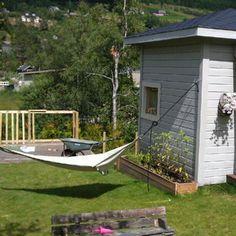 Lager rekkverk til terrassen bak dukkehuset :) - @anetteso- #webstagram