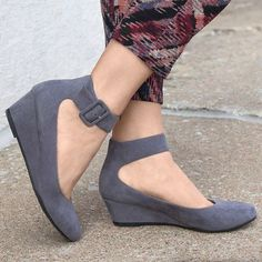 Shop Top Deals, Sexy Heels, Hot Wedges, Trendy Boots and all kind of Stylish Shoes Low Heel Shoes, Suede Shoes, Wedge Heels, Shoes Heels, Low Wedge Shoes, Fashion Boots, Sneakers Fashion, Casual Heels, Sexy Heels