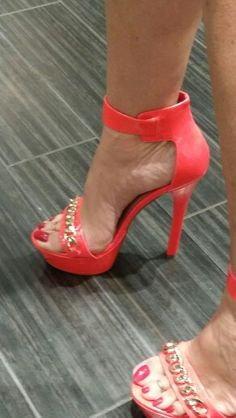 Bought these shoes yesterday Hot High Heels, Sexy Heels, Stiletto Heels, Beautiful Toes, Pretty Toes, Tan Body, Feet Nails, Red Sandals, Men Stuff