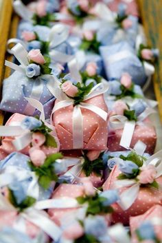 Sweet little favors Wedding Favours, Party Favors, Wedding Gifts, Dream Wedding, Wedding Day, Color Of The Year, Gift Packaging, Packaging Ideas, Shower Favors