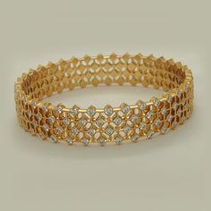 Diamond Bracelets : Diamond Jewellery – Apranje Jewellers - Buy Me Diamond Gold Bangles Design, Gold Jewellery Design, Gold Jewelry, Jewelery, Diamond Jewellery, Quartz Jewelry, India Jewelry, Black Diamond Earrings, Diamond Bracelets